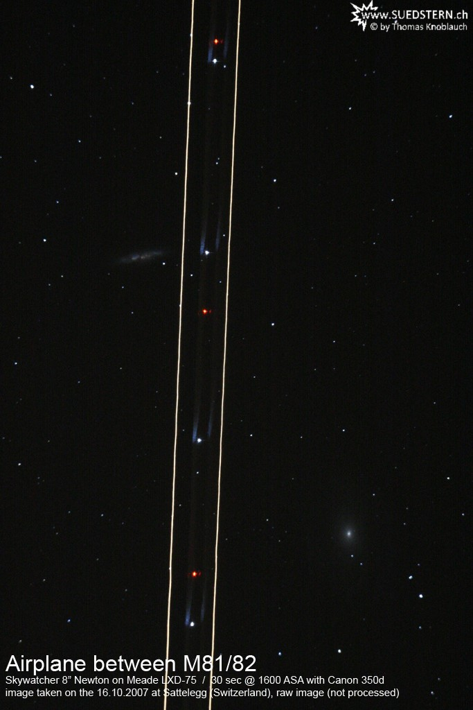 2007-10-16 - Airplane between M81 M82